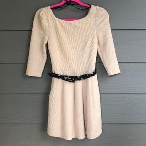 Ark & Co. NWT Size Small Fall Dress.